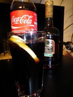 Der Cocktail cuba libre